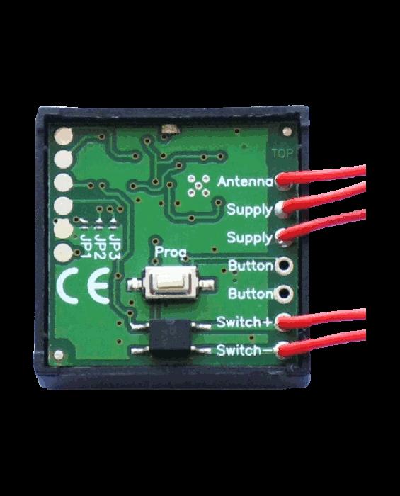 RA643 univerzalni večfrekvenčni sprejemnik